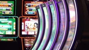 Check Out Different Types of the Slot Machine Games Available
